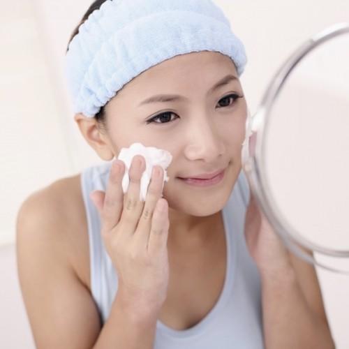 目指せ美肌!洗顔に欠かせない洗顔料の泡立て方